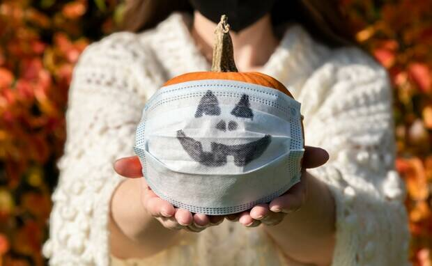 Halloween & COVID-19: 13 Ideas How to Celebrate Safely